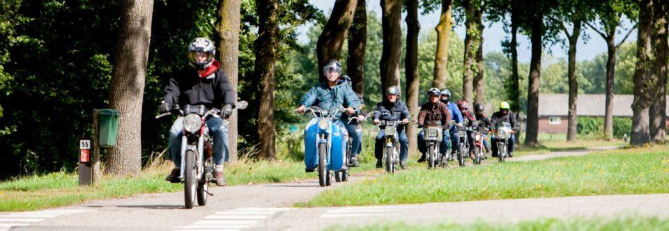 Rijd mee met de Kermistoertocht Klarenbeek!